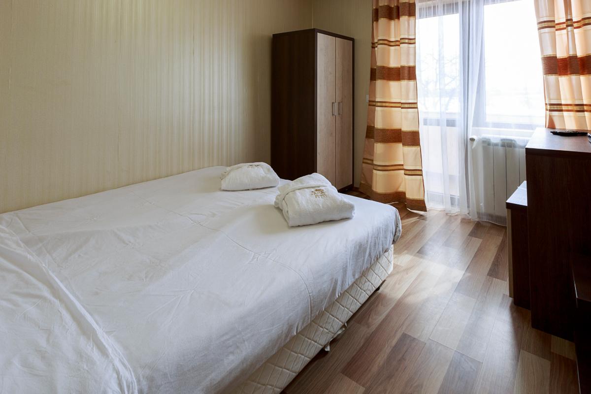 double_room_bedroom2