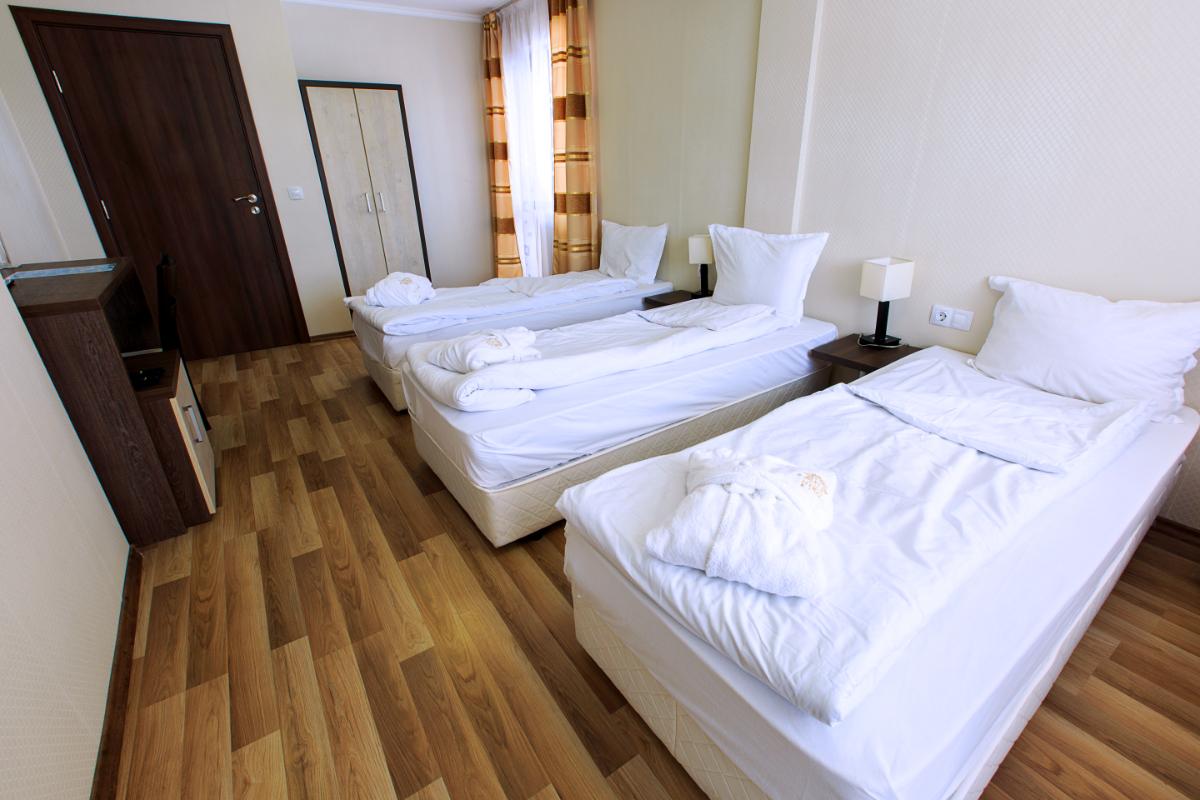 triple_room2